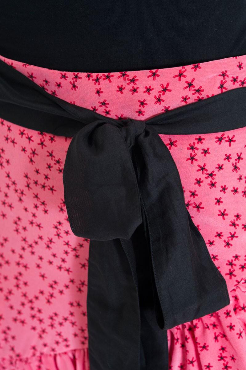 hot sale online 2696f 87bb6 Attic and Barn Gonna corta rosa con fiori